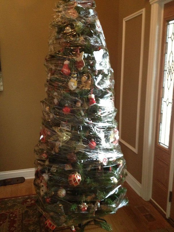 Clever People Who Found A Way To Protect Their Christmas Trees - 31 photos that prove cats are actually assholes