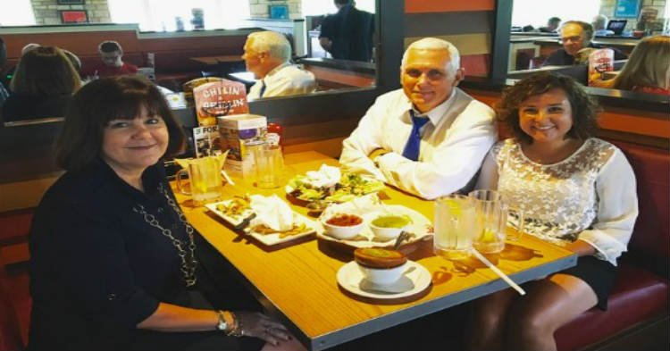 chilis.jpg?resize=412,232 - Mike Pence Posted A Family Photo But Daughter's 'Missing' Reflection Kept People Baffled