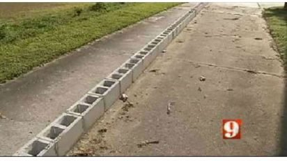 neighbor blocks driveway 412x232.jpg?resize=412,232 - 79-Year-Old Begged For Help After His Rude Neighbor Blocked His Driveway