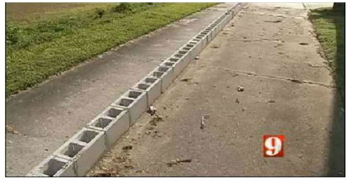 neighbor blocks driveway.jpg?resize=1200,630 - 79-Year-Old Begged For Help After His Rude Neighbor Blocked His Driveway