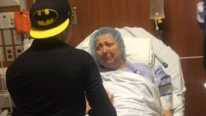 son surprise mom 412x232.jpg?resize=412,232 - Son Flies Home To Surprise Mom Moments Before She Goes Into Surgery
