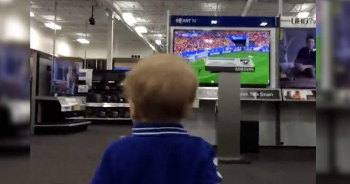 toddler first kiss - Father Follows His Son At Best Buy. What Happens Will Leave A HUGE Smile On Your Face!