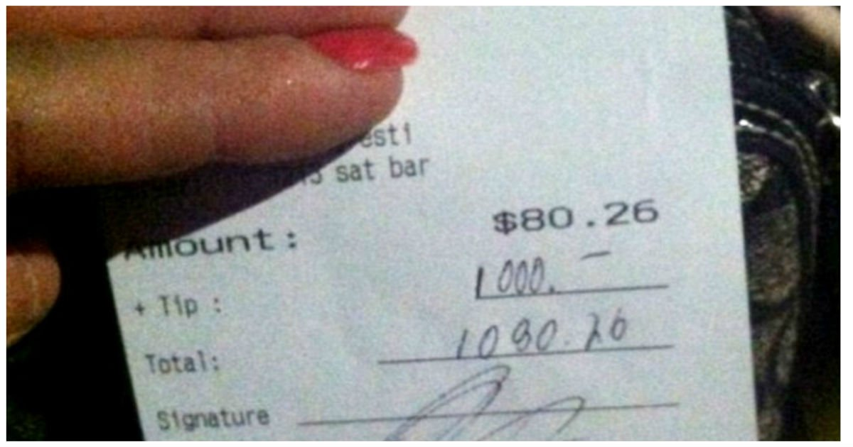 waitress surprise.jpg?resize=1200,630 - Waitress Was Given A $1,000 Tip After Customer Heard That Her Dog Needed An Expensive Surgery