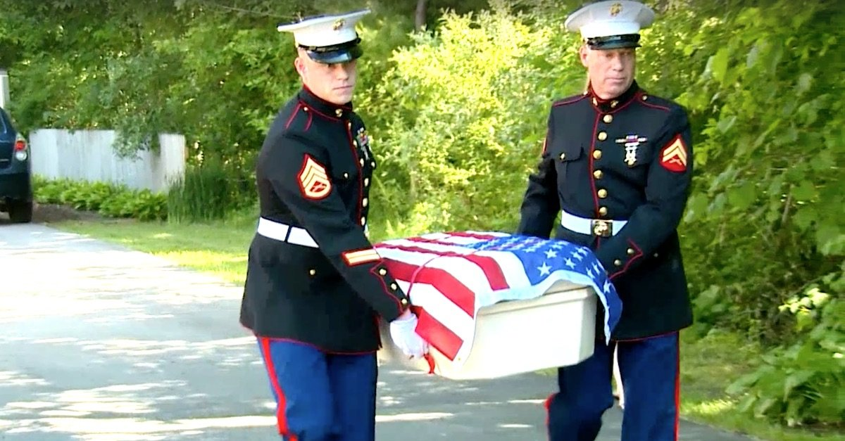 10 4 3 A.jpg?resize=412,232 - Two Marines Carried The Casket Of Hero Dog To Bring Him Back Home
