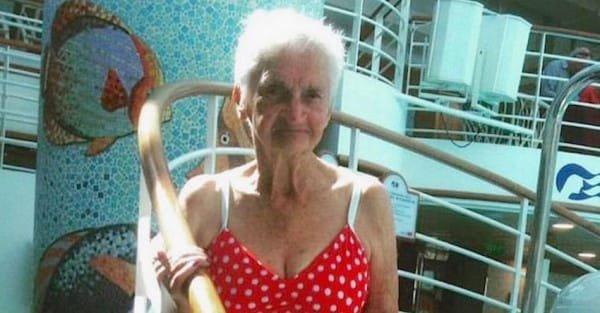 o 90 YEAR OLD BIKINI facebook2 600x313.jpg?resize=412,275 - Incredible Grandma Proudly Showed Off Her Curves In Bikini