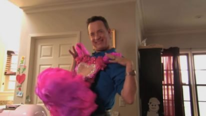 tom hanks beauty pageant 412x232.jpg?resize=412,232 - Tom Hanks Appeared On Toddlers & Tiaras With His Daughter's Pink Dress!