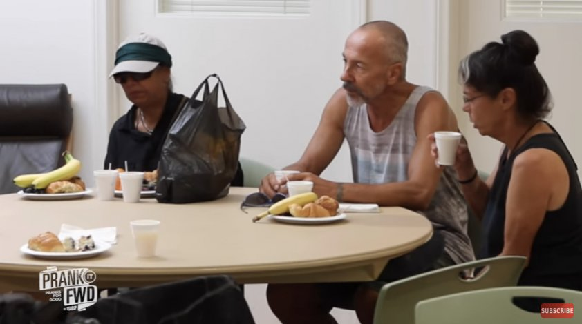 2017 01 12 오전 11.53.36 - Homeless People Are Asked To Go Into The Room.. You'll NEVER Guess What Happens Next!