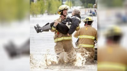 fireman saves old woman 412x232.jpg?resize=412,232 - Old Lady Cracked Hunky Fireman Up When She Told Him About Her Wedding Night