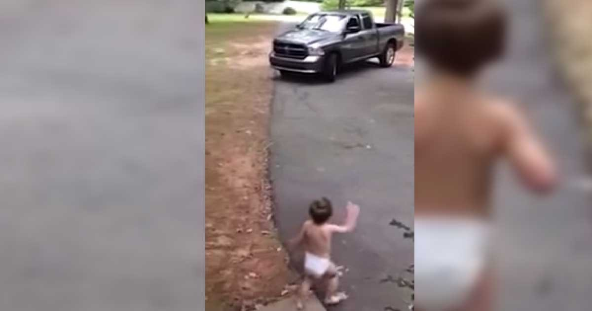 """i love you daddy.jpg?resize=1200,630 - Toddler Screams """"I Love You"""" For Three Minutes To His Dad"""