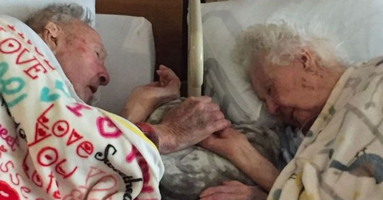 married 77years heaven together.jpg?resize=1200,630 - Loving Couple Held Hands As They Drifted Off To Heaven Together After 77 Years Of Marriage