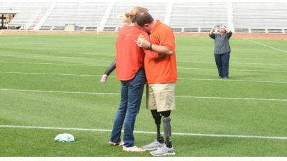 army dad surprise 412x232.jpg?resize=412,232 - Wounded Vet Had Always Been Strong.. But, He Loses It When Wife Shows Him This