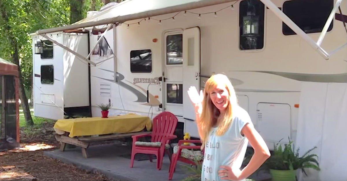 camper.jpg?resize=1200,630 - Family Of 6 Lives In A Transformed 3-Bedroom Trailer