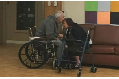 cover grandparents separated cries emotional 412x275.jpg?resize=412,275 - Granddaughter Wrote A Letter In Tears When Nursing Home Won't Let Her Grandparents Be Together