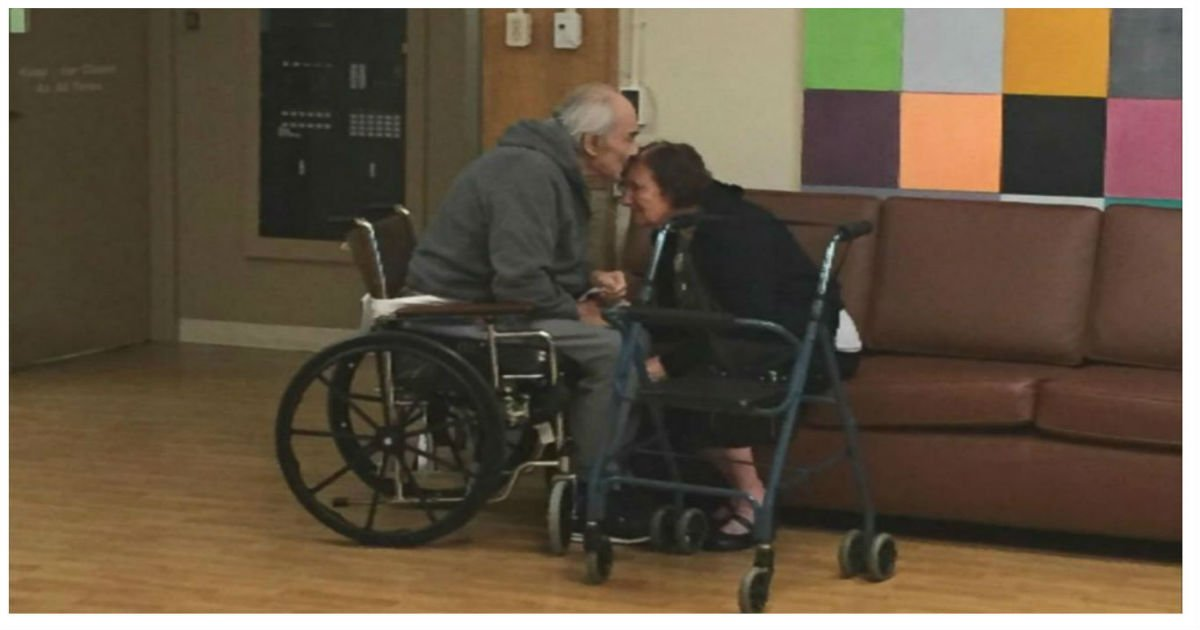 cover grandparents separated cries emotional.jpg?resize=1200,630 - Granddaughter Wrote A Letter In Tears When Nursing Home Won't Let Her Grandparents Be Together