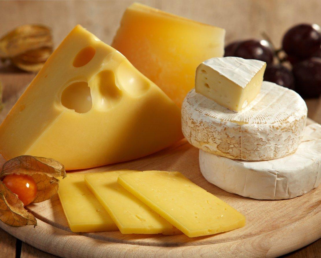 Le fromage gras et le gâteau au chocolat ne font pas grossir!