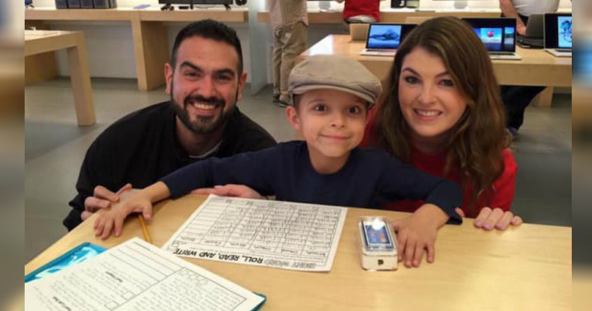 gift from apple store.jpg?resize=1200,630 - Employee Surprised Boy With Tumor With A Gift After He Heard Of His Tough Story