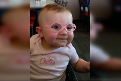 glasses 412x275.jpg?resize=412,275 - Baby Couldn't Stop Smiling After Wearing Eyeglasses And Seeing Properly For The First Time
