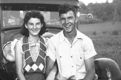 ohio couple dies together 412x275.jpg?resize=412,275 - Loving Couple Who Spent Over 70 Years Together Passed Away Only Hours Apart