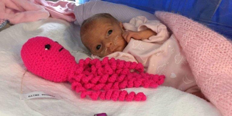 poolhospital.jpg?resize=1200,630 - Des doudous en forme de pieuvre font leur apparition dans les maternités