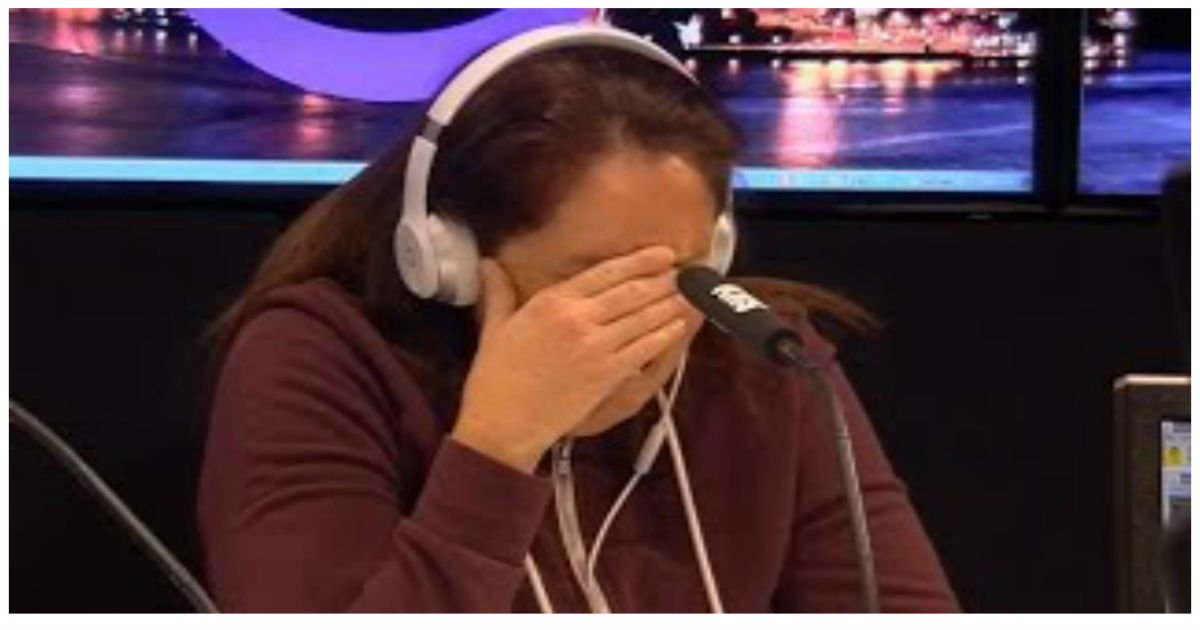 poor mom shows kindness.jpg?resize=1200,630 - Mom Breaks Down When She Has To Make This Life-Changing Decision On Air