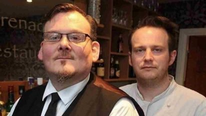restaurant owners stand up for autistic waiter 412x232.jpg?resize=412,232 - Restaurant Owner Slammed Rude Customers For Yelling At Struggling Waiter With Autism