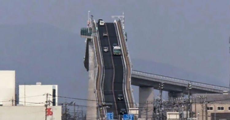 thhh.jpg?resize=1200,630 - [VIDÉO] Voici le pont le plus effrayant du monde: il donne le vertige!