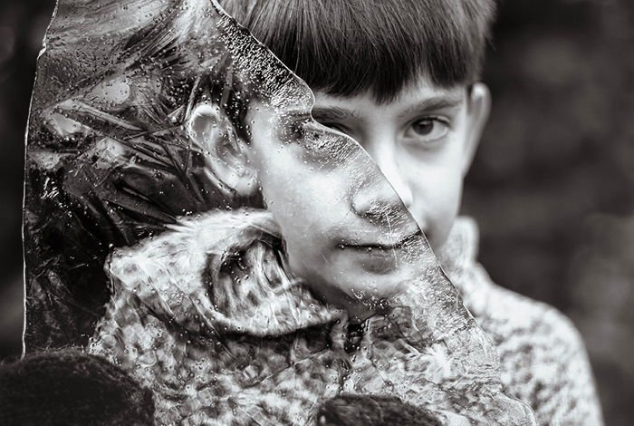 2uh05ppmr2epf8xq47wa.jpg?resize=1200,630 - 自閉症の息子が見る「世界」を写真に収めた母