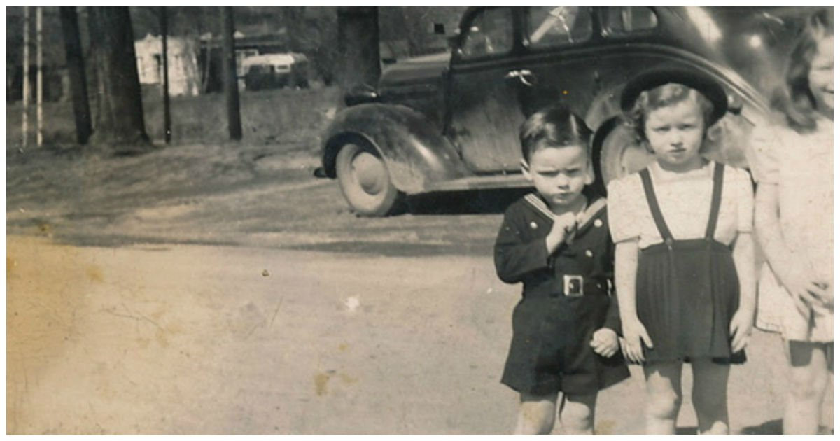 6 kids 75 cents.jpg?resize=1200,630 - Wife Was Left With 6 Kids And 75 Cents, She Then Found A Miracle In Her Car!