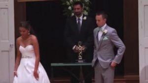 brde 300x169 - Bride Walks Away From Groom to Recite Wedding Vows in ASL