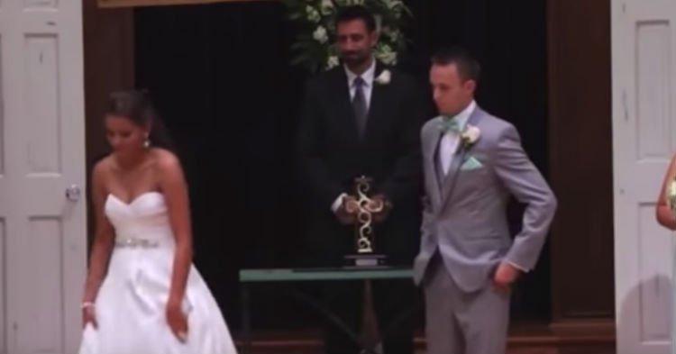 brde.jpg?resize=1200,630 - Loving Bride Walked Away From Groom to Recite Wedding Vows in ASL