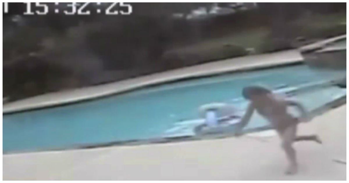 girl saves mother pool cover - 5-Year-Old Realizes The Terrible Truth And Runs As Fast As She Can..Watch The Video To See Why