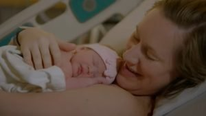 hug for baby 300x169 - A Single Hug For A Premature Baby Is Effective For Development