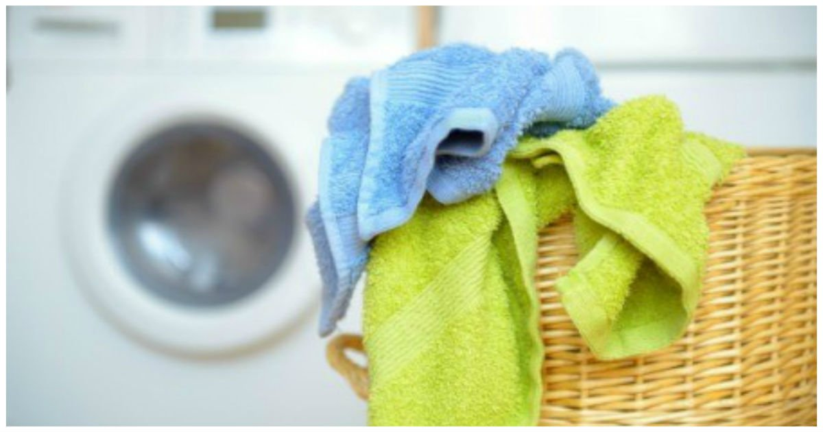 laundry cover.jpg?resize=1200,630 - Smelly Clothes After Washing? You Can Clean Your Washing Machine On Your Own Using White Vinegar