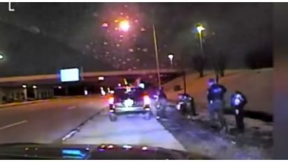 police rescue highway cover 412x232.jpg?resize=412,232 - Police Officers Saved The Life Of A 19-Month-Old Girl Who Couldn't Breathe