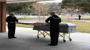 veteran casket teenagers 300x169 - Teens Serve As Pallbearers For Veteran With No Family