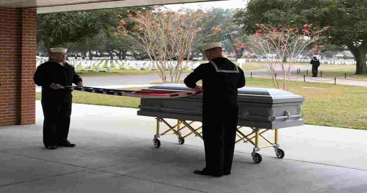 veteran casket teenagers.jpg?resize=1200,630 - Group Of Teenagers Carried The Casket Of Late Veteran Because No One Attended His Funeral