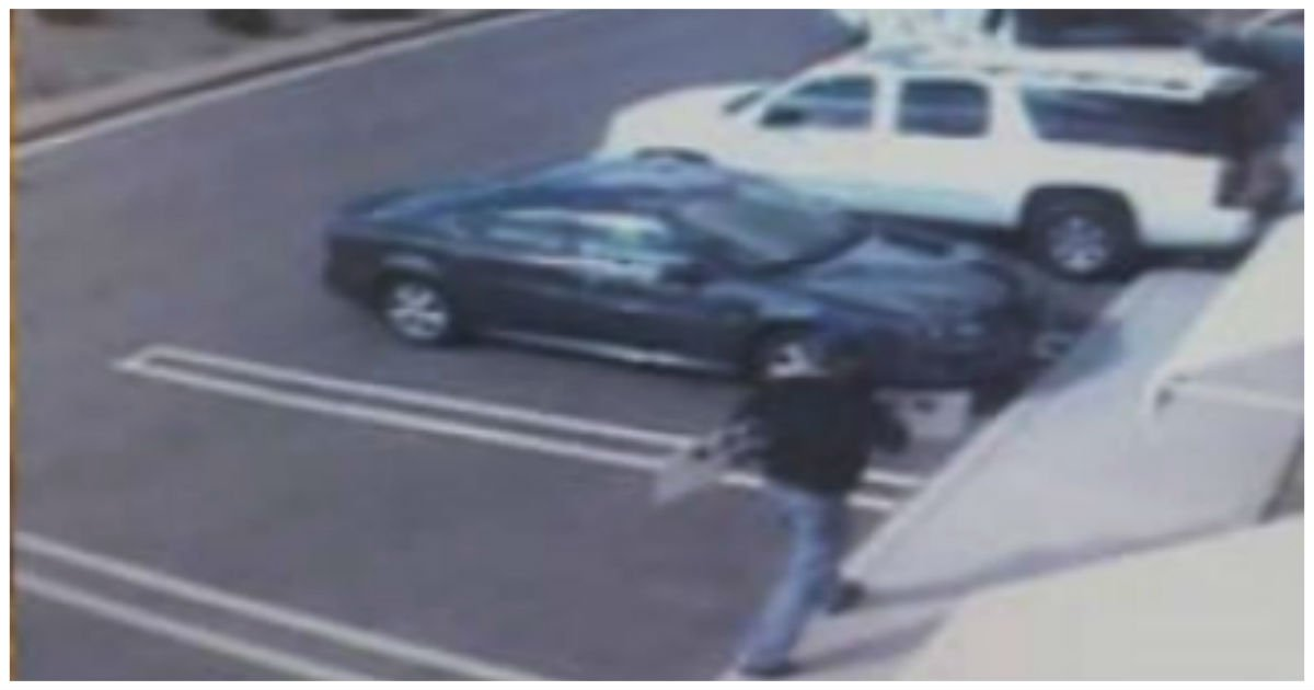 white suv free jewelry.jpg?resize=1200,630 - Mother Released Warning After Suspicious SUV Pulled Up Near Her And Placed Silver Ring On Her Windscreen