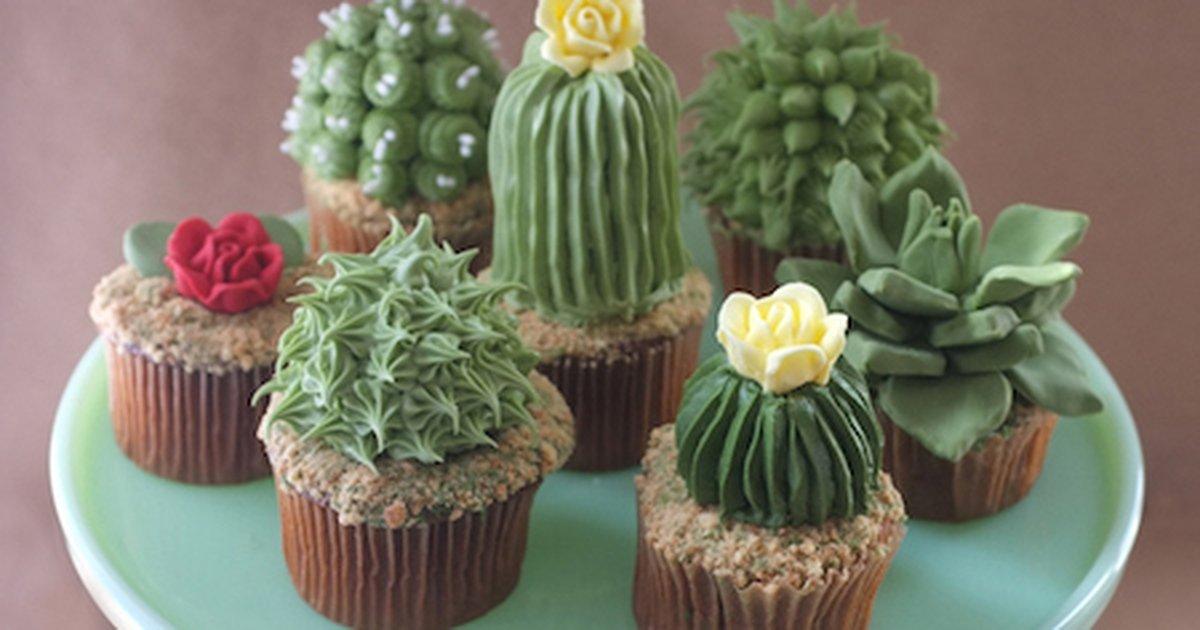 houseplantcupcakes1 web 2.jpg?resize=1200,630 - Ces cupcakes cactus sont trop beaux pour être mangés !