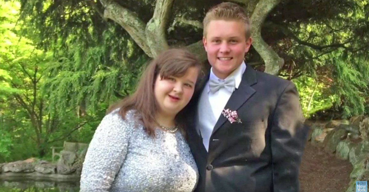 prom.jpg?resize=1200,630 - Football Player Invited Girl With Genetic Disorder To Prom And The Two Became Inseparable