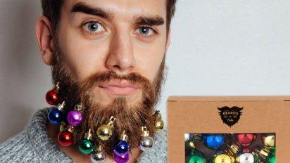 sans titre 11 412x232.png?resize=412,232 - La guirlande pour barbe Hipster, pour adopter la mode Automne/Hiver 2023 avant tout le monde