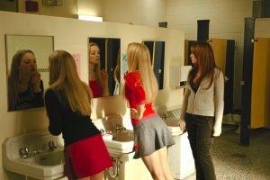 seduire_fille_toilettes