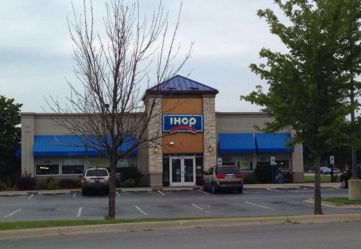 tripadvisor ihop - She Sees IHOP Server Take Away Disabled Woman's Fork.. What He Does Next Inspires Her!