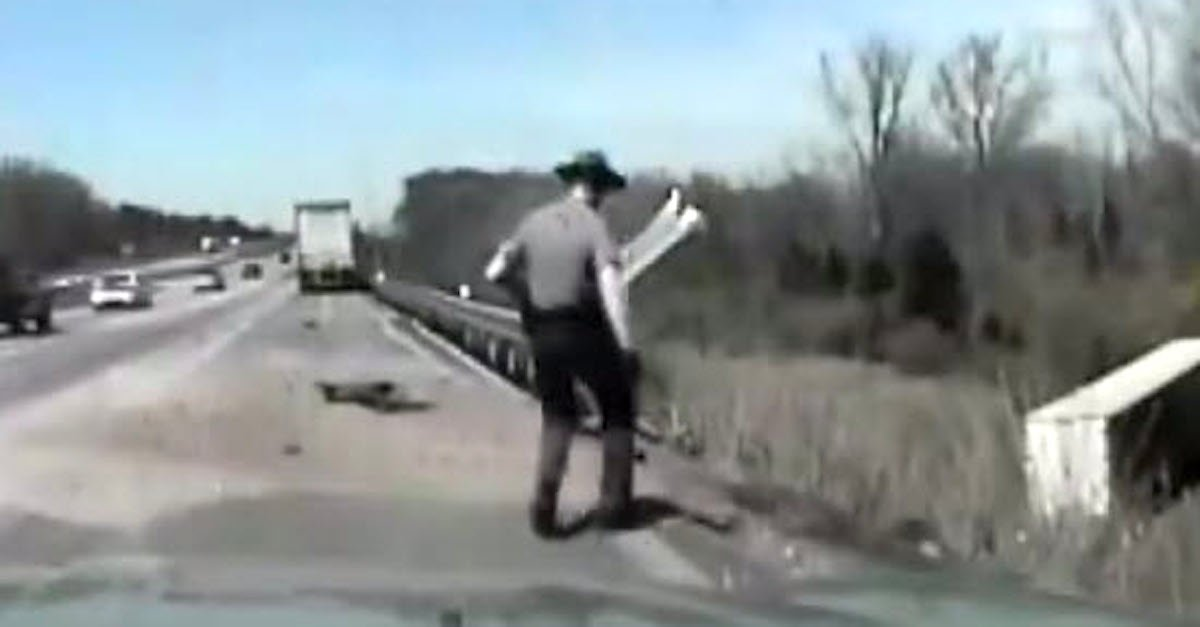 trooper.jpg?resize=1200,630 - State Trooper Recorded While Rescuing Truck Driver Involved In An Accident