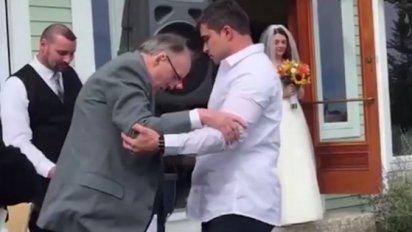 1 3 412x232.png?resize=412,232 - 【感動】結婚式で娘との約束を叶える・・下半身麻痺の父と娘の物語