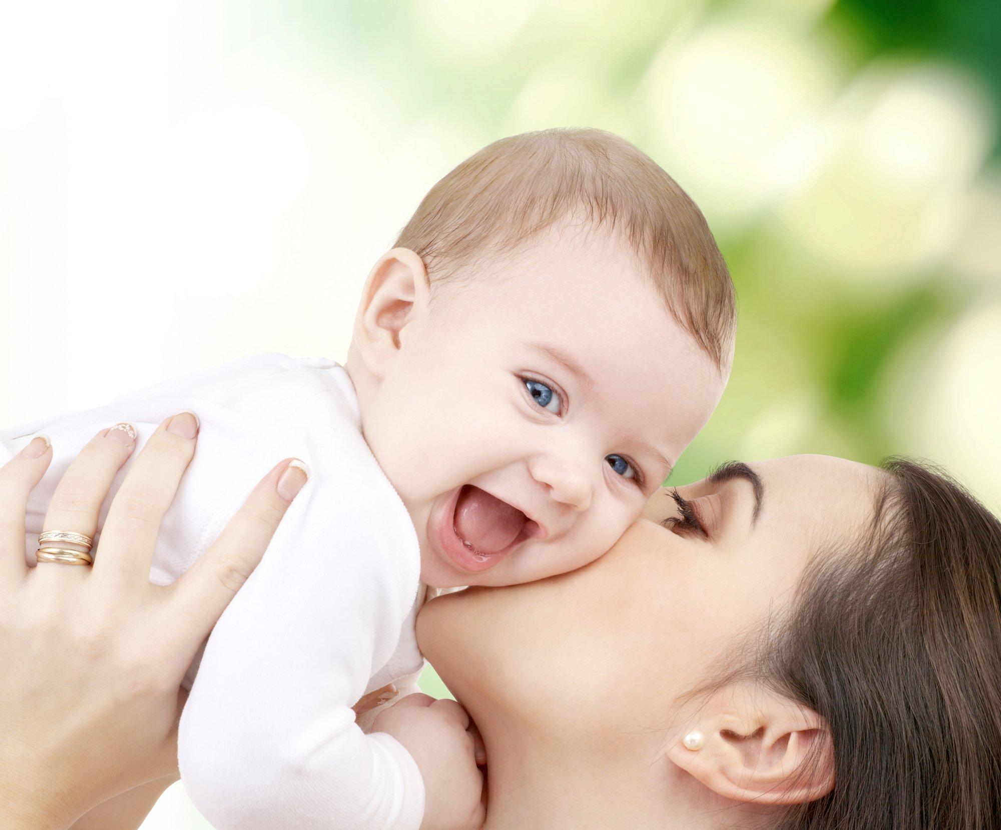 depositphotos 65370609 l 2015 - Cette maman est terrifiée pour son bébé malade, regardez ce que l'infirmier va faire