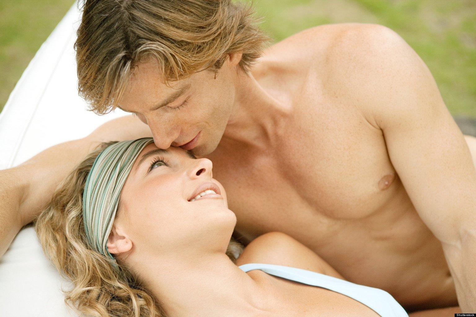 o mens smell facebook 300x200 - 7 signes qui prouvent que vous avez trouvé l'homme de votre vie !