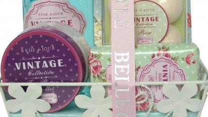 on vous donnelacc82ge 11 412x232.png?resize=412,232 - Le coffret de bain vintage à l'odeur de rose !