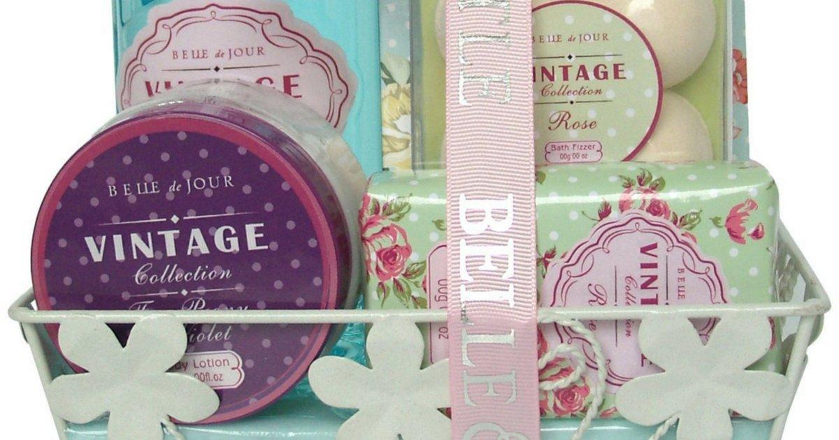 on vous donnelacc82ge 11.png?resize=648,365 - Le coffret de bain vintage à l'odeur de rose !