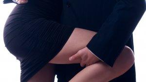 on vous donnelacc82ge 6 1 300x169 - L'astuce sexo du jour : 4 astuces pour séduire…au bureau