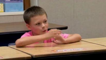 william gierke 1 412x232.jpg?resize=412,232 - Les camarades de ce garçon se moquent de lui parce qu'il portait un tee-shirt rose… voici ce que fait son professeur !
